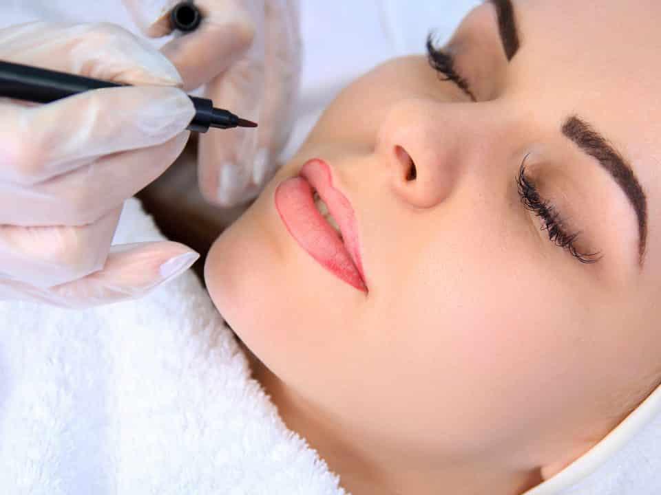 Dermopigmentation maquillage permanent lèvres, sourcils, yeux à Genève chez imaderm